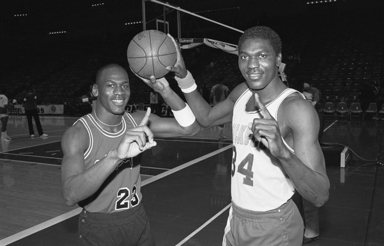 Hakeem Olajuwon x Michael Jordan